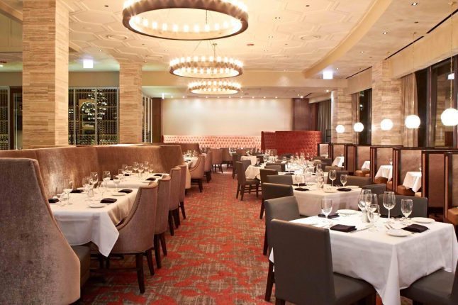 Del frisco s opens one of the largest steakhouses in for Del frisco s chicago