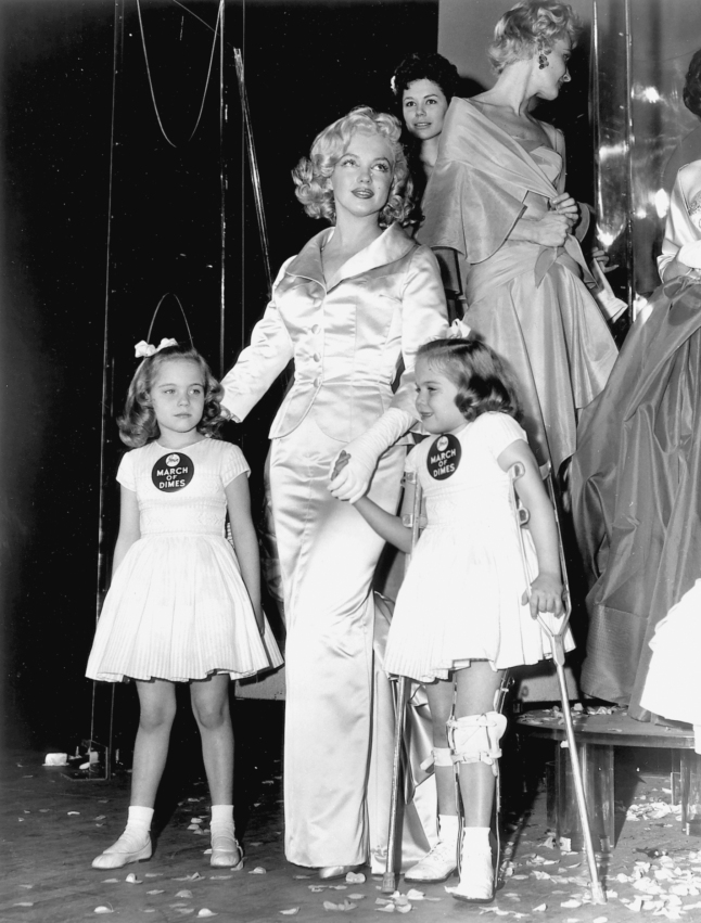Marilyn Monroe supporting the March of Dimes, 1958
