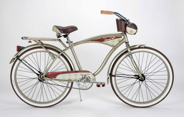 "Give the man in your life new wheels for the holidays. Panama Jack's retro-styled 26"" men's Beach Cruiser Bicycle is the perfect holiday gift for him. The cruiser is reminiscent of vintage motorcycles from the 1930s. (PRNewsFoto/Panama Jack)"