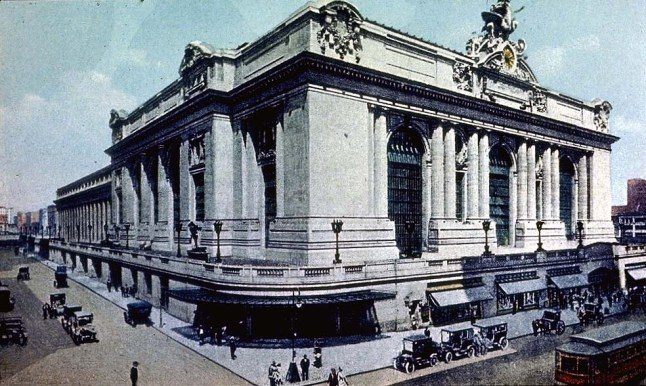 Grand Central Terminal , 1913 (Exterior at 42nd St & Park Ave, New York City)