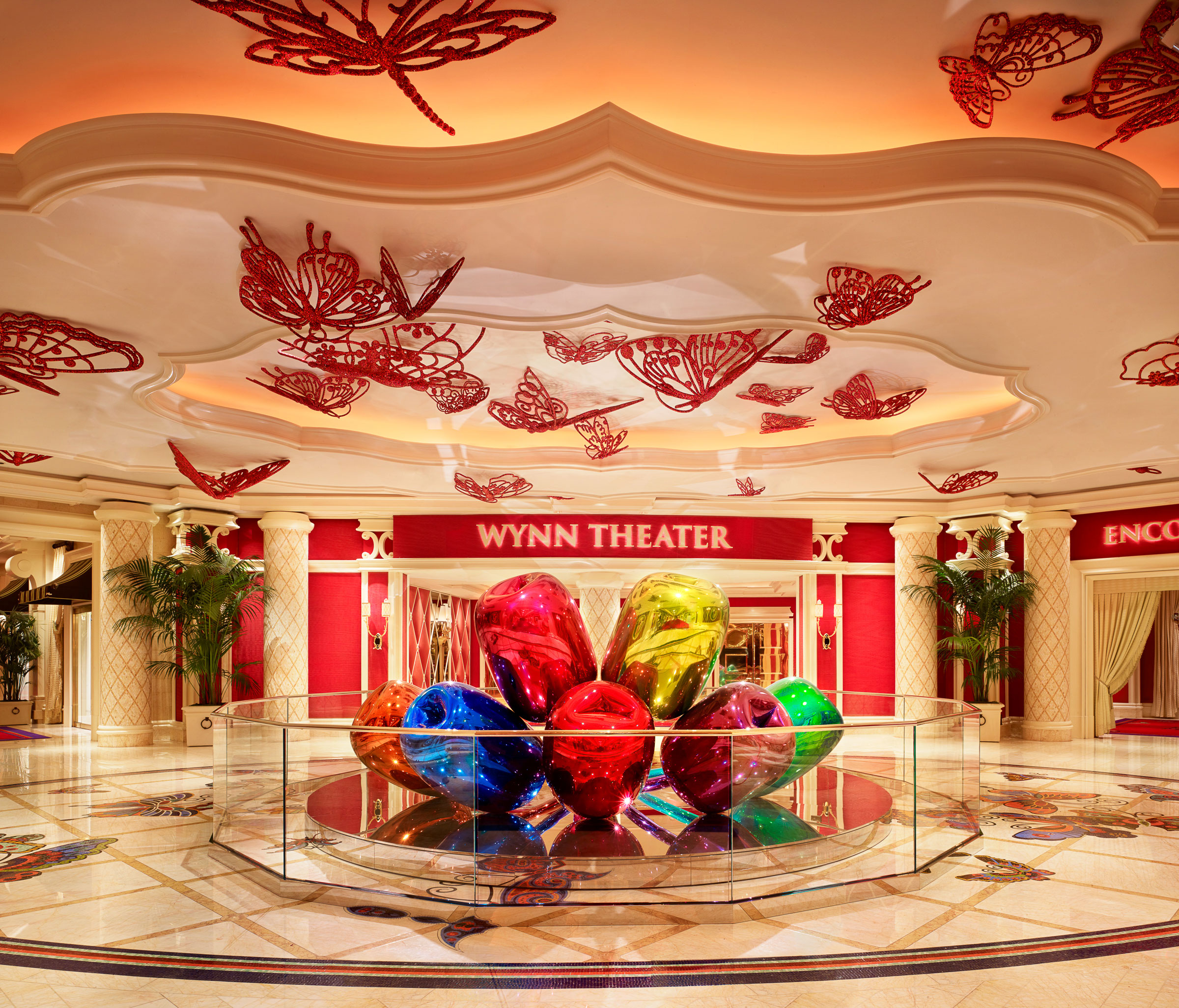wynn las vegas unveils tulips by renowned artist jeff. Black Bedroom Furniture Sets. Home Design Ideas