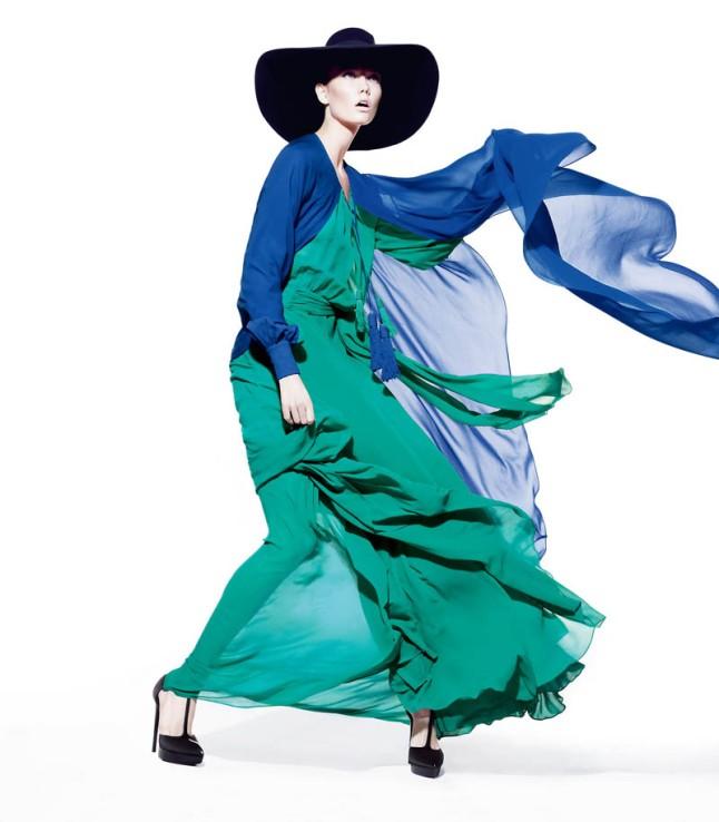 The 2013 Spring Neiman Marcus Art of Fashion Campaign starring Karlie Kloss & Vika Falileeva (Courtesy of Neiman Marcus)