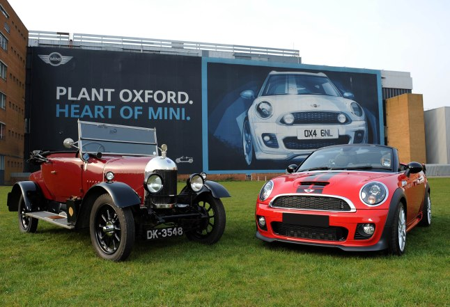 OXFORD, UNITED KINGDOM - MARCH 27: A Bullnose Morris Oxford, the first car to be manufactured by William Morris on 28th March 1913, (L) and a MINI Roadster, the most recent car to enter production in 2012 are displayed to celebrate 100 years of car manufacturing in Oxford on March 27, 2013 in Oxford, England. (Photo by Stuart C. Wilson/Gettyimages)