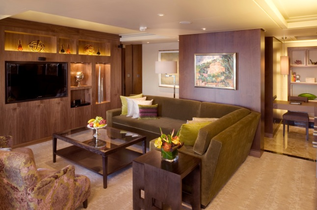 Crystal Symphony: Crystal Penthouse Suite Living Room (Photo Credit: Crystal Cruises)