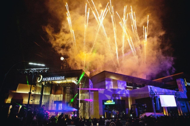 Horseshoe Cincinnati opens to the public with spectacular fireworks display on March 4, 2013