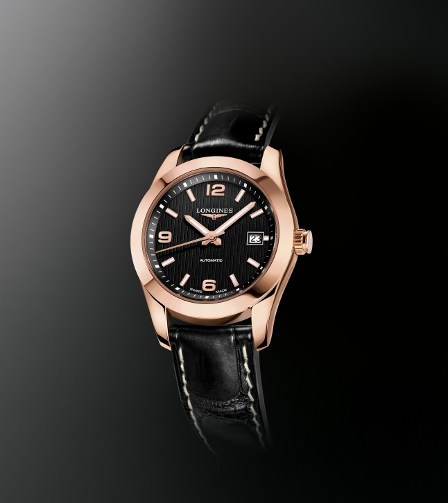 Conquest Classic joins the brand's collections of classical beauty that have helped to make Longines' reputation and success throughout the world. With a diameter of 29.50 mm, this lady model in rose gold, fitted with a black alligator strap, houses the mechanical caliber L595. Its black dial is set with 3 arabic numerals and 9 applied indices with Super-LumiNova® and displays the hours, the minutes and the seconds as well as the date at 3 o'clock. Just as the entire collection Conquest Classic, this timepiece is water-resistant to 5 bar and its screw-down case back is fitted with a sapphire glass.