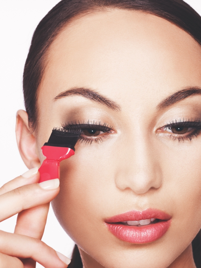 With Avon's Mega Effects Mascara, eyes look bigger and lashes look darker, denser and more dramatic.