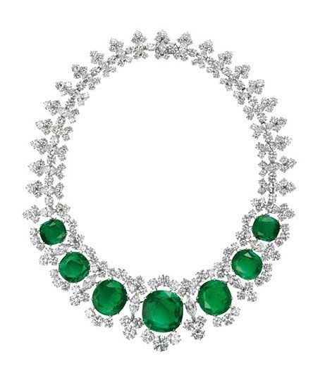 Bulgari. Necklace, 1961 – Platinum with emeralds and diamonds. Courtesy of de Young Museum