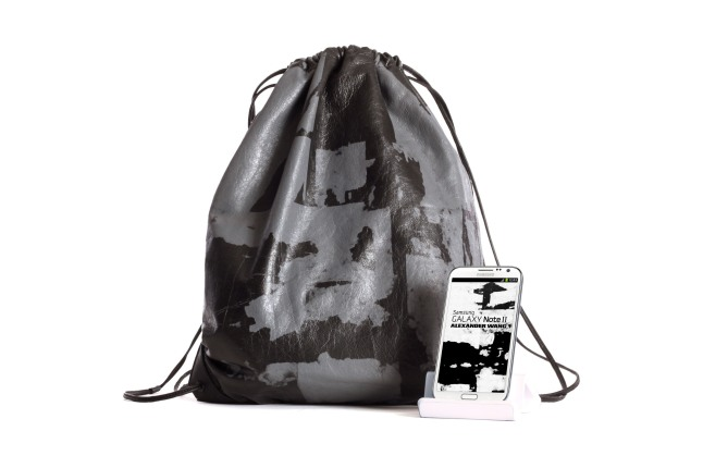Samsung Electronics and designer Alexander Wang reveal the first co-created, limited-edition Wallie gym sack, inspired by crowd-sourced sketches and images created using the GALAXY Note II.  (PRNewsFoto/Samsung Electronics Co., Ltd.)