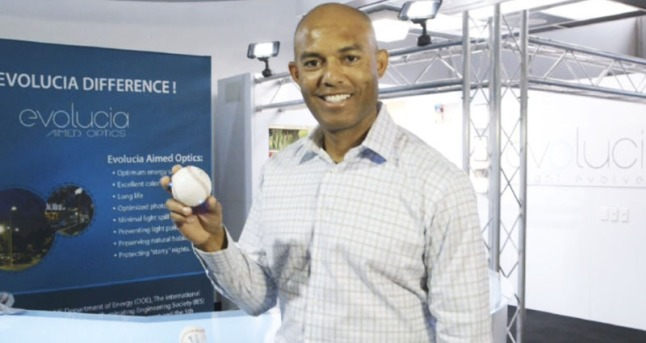 "Baseball great Mariano Rivera ready to ""pitch""; his one-of-a-kind commemorative LED Light Up baseball developed by Evolucia (ILED).  Evolucia and Mariano developed the baseball to highlight Rivera's career and to encourage energy efficiency. The LED baseball features Evolucia's high performance LED light sources. (PRNewsFoto/Evolucia Inc.)"