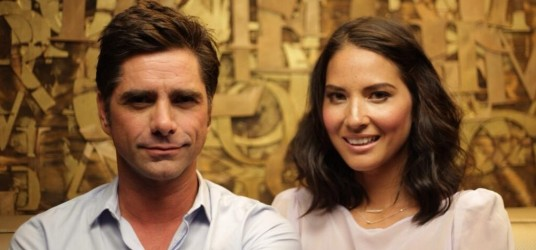 Olivia Munn on Losing It With John Stamos (http://screen.yahoo.com/losing-it-with-john-stamos/olivia-munn-030000109.html)