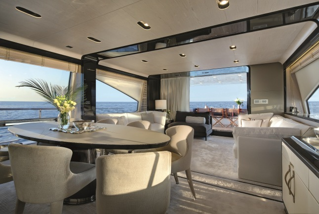 The Salon on the Azimut 80