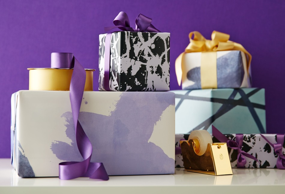 Kelly Wearstler for One Kings Lane Designer Series Gift Wrap.  (PRNewsFoto/One Kings Lane)