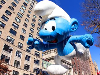 smurfs-macys-85th-annual-thanksgiving-day-parade-nyc-parades-november-24-2011-bi-dng