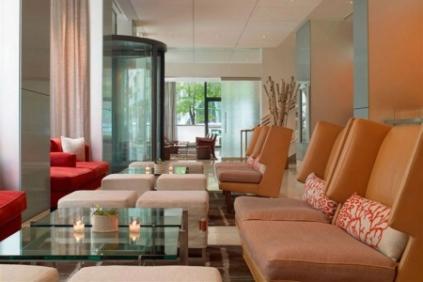 jchi-explorehotel-photogallery-lobby-chairs-06192013-jpg