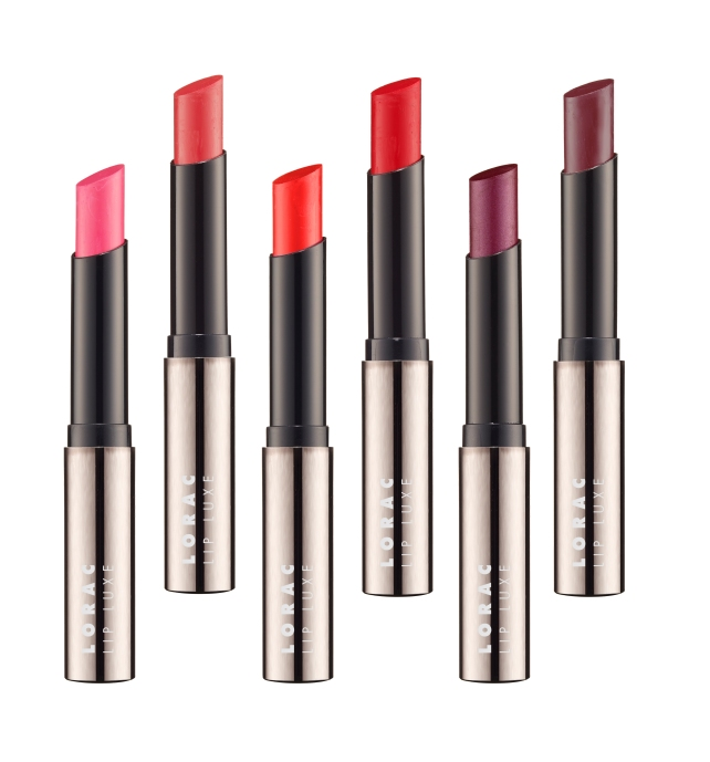 LIP LUXE 8 HOUR LIP COLOR
