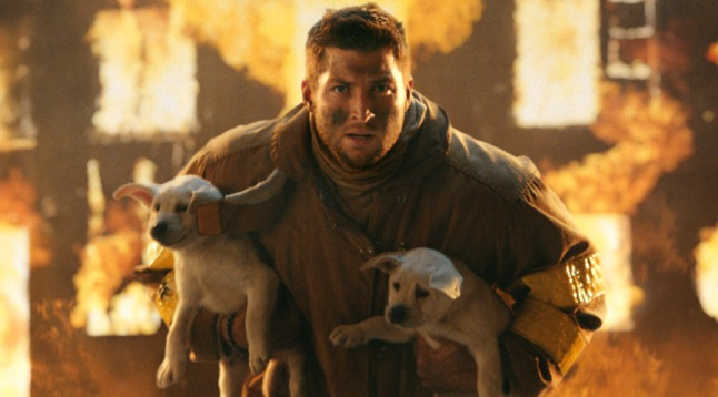 T-Mobile Drafts NFL Free Agent Tim Tebow to Showcase Contract Freedom in Two New Super Bowl XLVIII TV Spots
