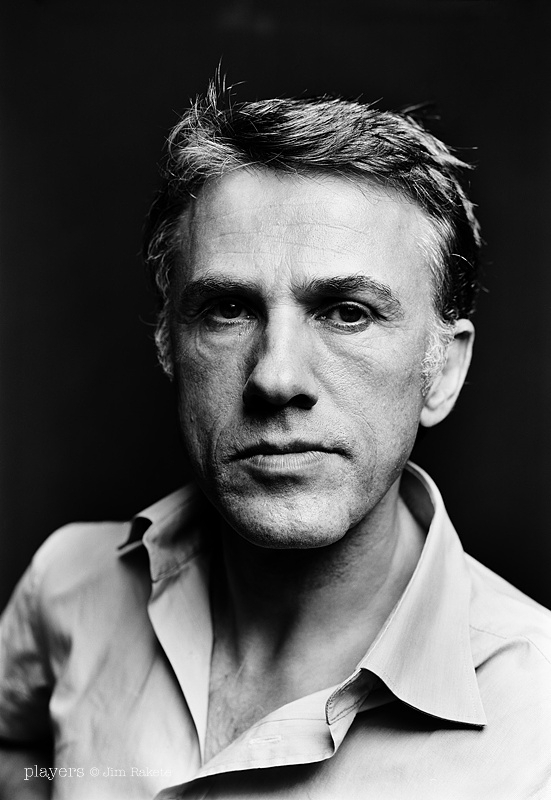 Two-time Oscar¨ winner Christoph Waltz will present at this yearÕs Oscars, show producers Craig Zadan and Neil Meron announced today. The Oscars, hosted by Ellen DeGeneres, will air on Sunday, March 2, live on ABC.
