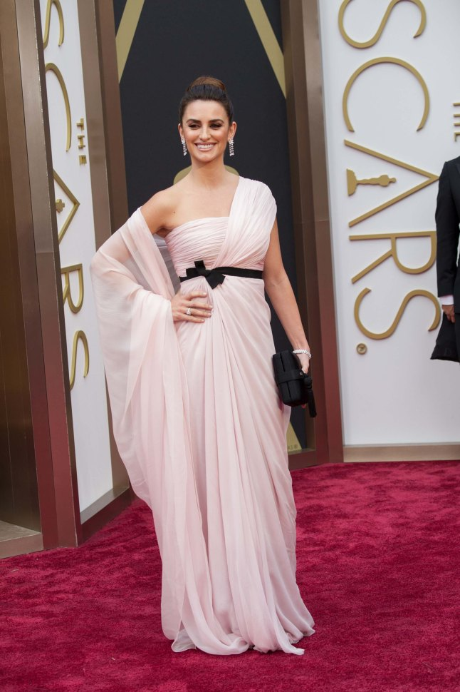 Penelope Cruz arrives for the live ABC Telecast of The 86th Oscars® at the Dolby® Theatre on March 2, 2014 in Hollywood, C
