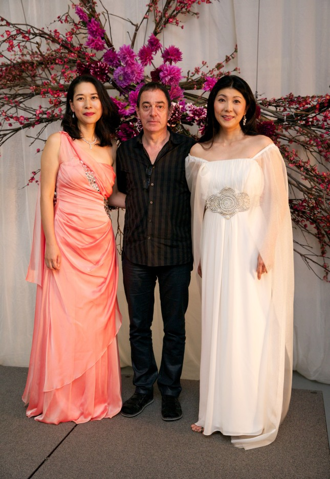 Hyeseoung Kwon, Director Àlex Ollé and Hiromi Omura. Photo credit Ben Symons