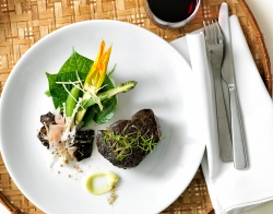 Miso Marinated Beef Fillet, Bok Choy & Enoki Mushrooms by Fresh Catering at Platinum Club. Image courtesy Fresh Catering
