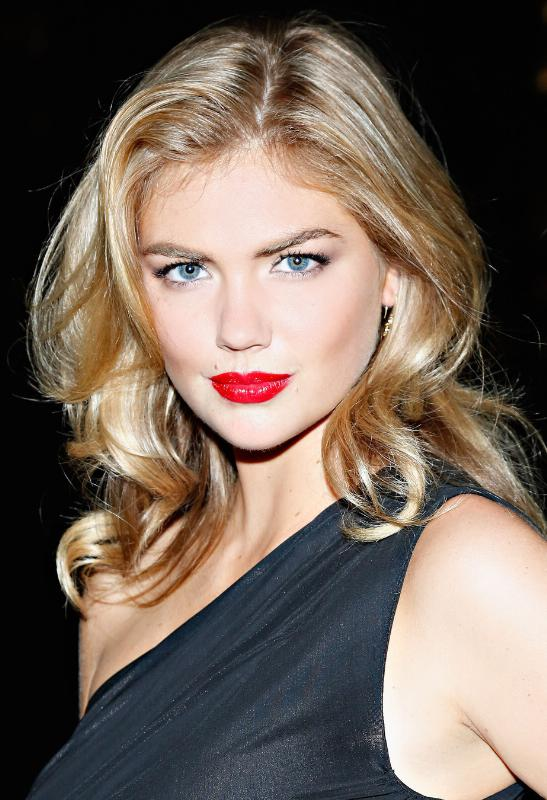 American Supermodel Kate Upton joins EXPRESS as Brand Ambassador.  (PRNewsFoto/EXPRESS, Inc.)