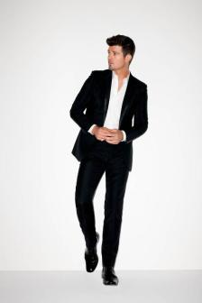 Robin Thicke to Perform at EXPRESS Times Square Grand Opening Event.  (PRNewsFoto/EXPRESS, Inc.)