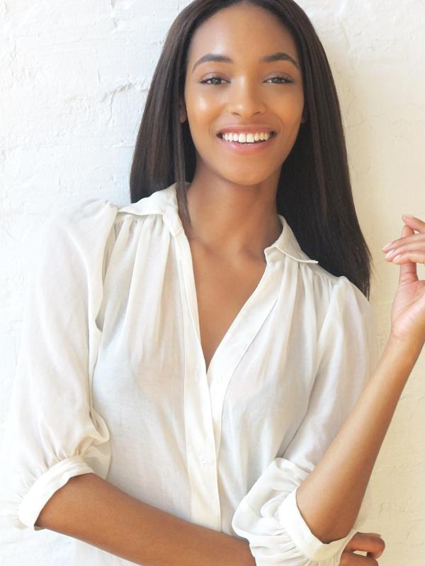 Maybelline New York Announces Jourdan Dunn as Newest Spokesmodel.  (PRNewsFoto/Maybelline New York)