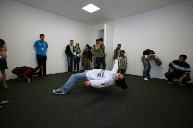 Xu Zhen  In Just the Blink of an Eye, 2005  11 Rooms Manchester International Festival  Photo credit courtesy Manchester City Galleries