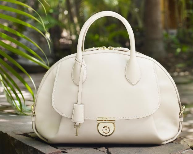 Medium ivory calf leather Fiamma bag - $2,250. Available at Salvatore Ferragamo boutique nationwide and www.ferragamo.com/fiamma (PRNewsFoto/Salvatore Ferragamo)