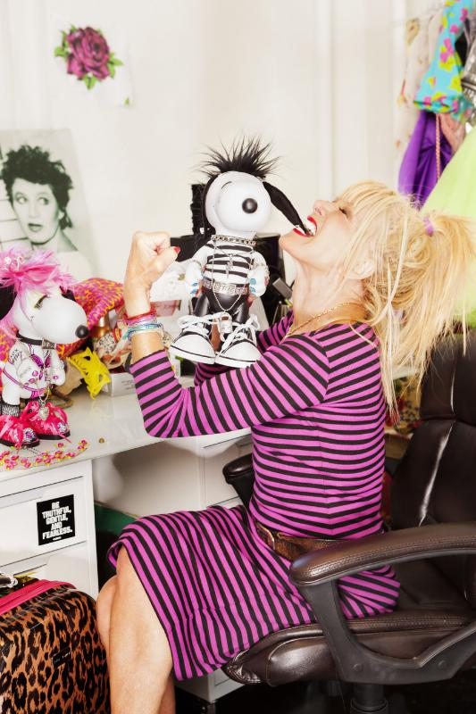 DESIGNER BETSEY JOHNSON CREATE LOOKS FOR SNOOPY AND HIS SISTER BELLE IN A NEW EXHIBIT AT THE NEW MUSEUM'S SKY ROOM THIS NEW YORK FASHION WEEK. (PRNewsFoto/Peanuts Worldwide)