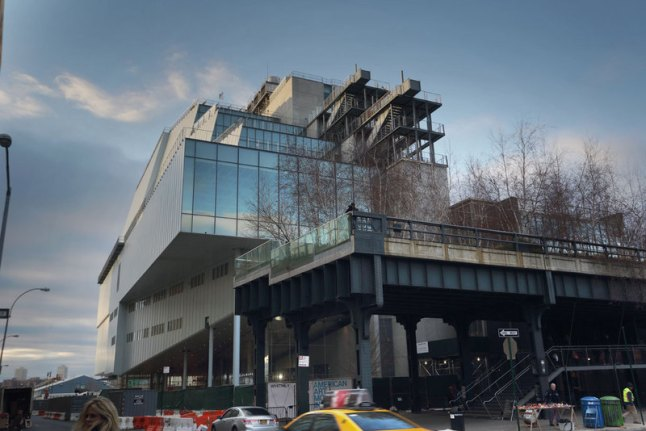 A view of the High Line and the building's eastern face, December 2014. Photograph by Ed Lederman