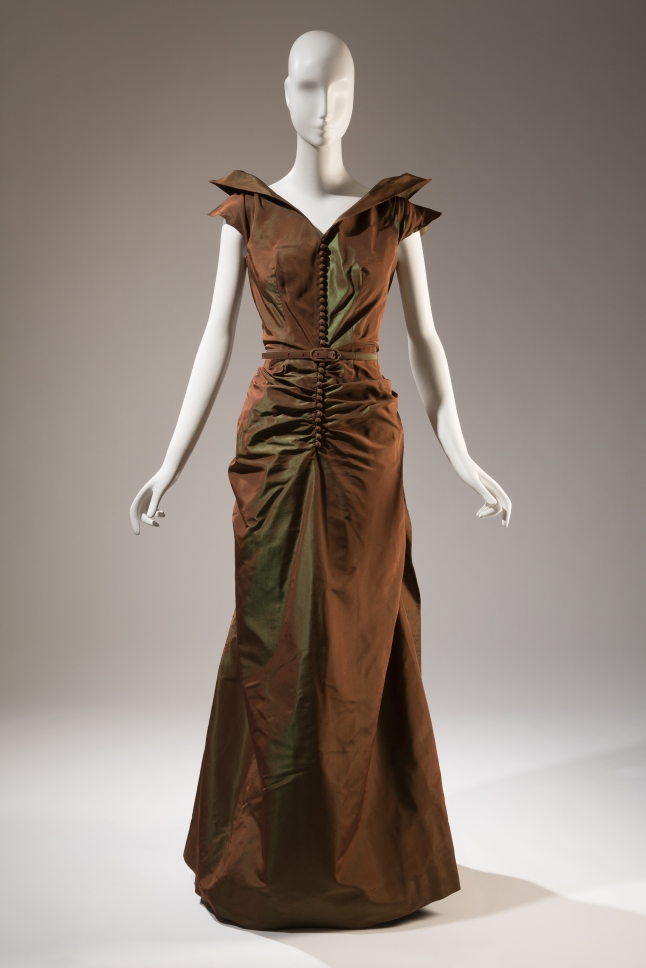Nettie Rosenstein, Evening dress, Circa 1938, New York, Gift of Gloria Carr de Veynac. 76.32.1