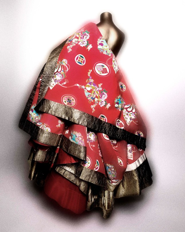 Dress, John Galliano (British, born Gibraltar, 1960) for House of Dior (French, founded 1947), spring/summer 2003 haute couture; Courtesy of Christian Dior Couture Photo: Courtesy of The Metropolitan Museum of Art, Photography © Platon