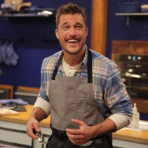 Contestant Chris Soules, in the kitchen during Food Network's Worst Cooks In America Celebrity Edition, Season 7.