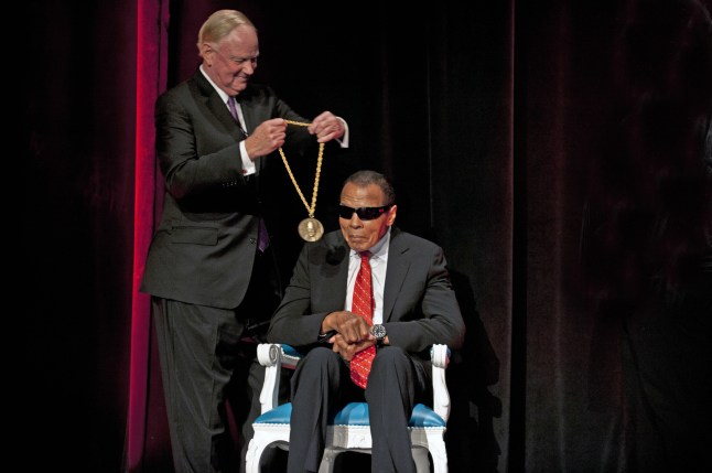 University of Louisville President James R. Ramsey presenting Muhammad Ali with the inaugural Grawemeyer Spirit Award. (PRNewsFoto/University of Louisville)