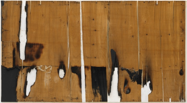 Legno e bianco I (Wood and White I), 1956 Wood veneer, combustion, acrylic, and Vinavil on canvas, 87.7 x 159 cm Solomon R. Guggenheim Museum, New York 57.1463 © Fondazione Palazzo Albizzini Collezione Burri, Città di Castello/2015 Artists Rights Society (ARS), New York/SIAE, Rome
