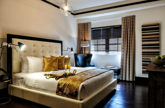 Hotel Croydon Bedroom