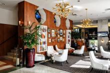 Hotel Croydon Lobby