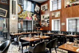 The Tavern Inside Hotel Croydon