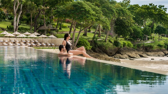 Spend a relaxing, fun Holiday Season at the Four Seasons Resorts Bali nd the all-villa beach escape of Four Seasons Resort Bali at Jimbaran Bay