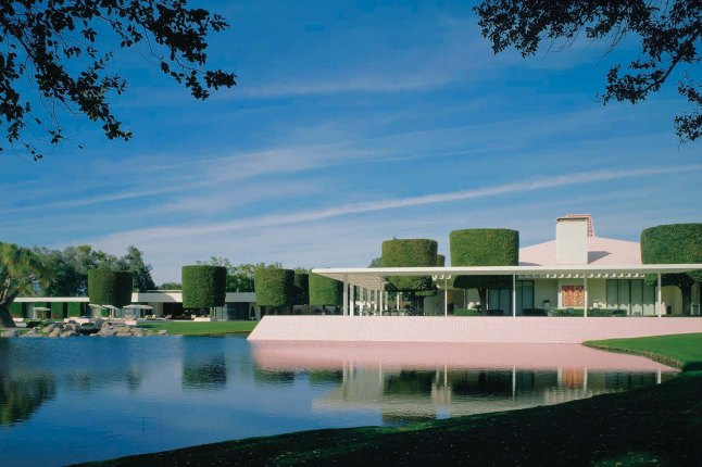 Julius Shulman and Juergen Nogai, photo 2007, The Annenberg Retreat at Sunnylands; A. uincy Jones and Frederick E. Emmons, 1966