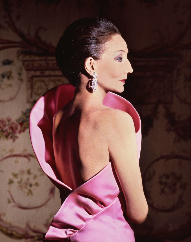 Jacqueline de Ribes in her own design, 1983 Courtesy of The Metropolitan Museum of Art, Photograph by Victor Skrebneski, Skrebneski Photograph © 1983