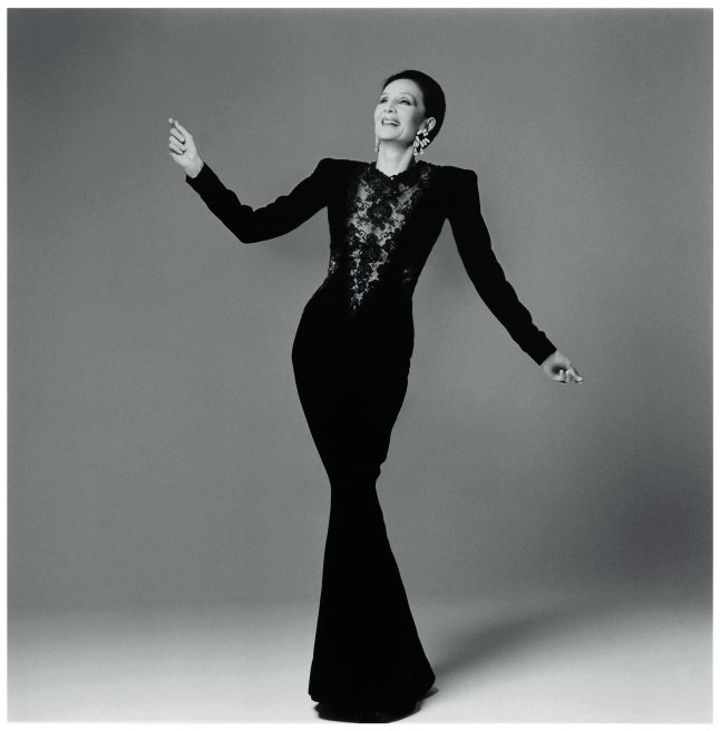 Jacqueline de Ribes in her own design, 1986 Courtesy of The Metropolitan Museum of Art, Photograph by Francesco Scavullo, The Francesco Scavullo Foundation and The Estate of Francesco Scavullo