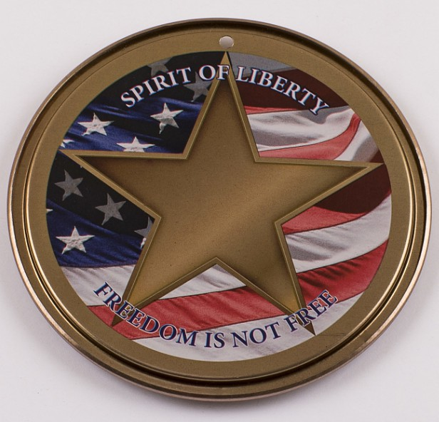 Spirit of Liberty Holiday Ornament Back. (PRNewsFoto/The Spirit of Liberty Foundation)