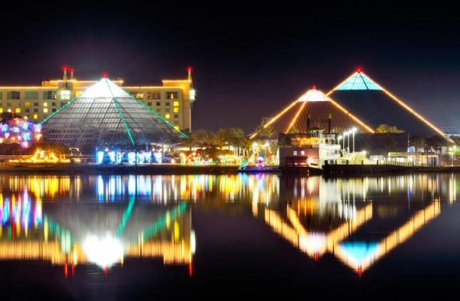 Festival of Lights opened Saturday with an impressive crowd at Moody Gardens in Galveston, TX (PRNewsFoto/Moody Gardens)