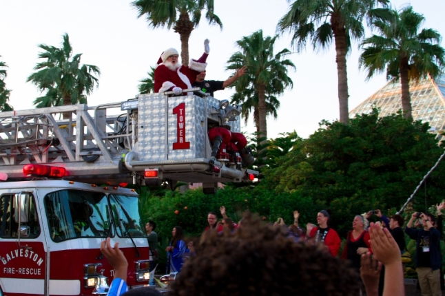 Santa arrived in grand style by fire truck to kick off the holiday season at the opening of Moody Gardens Festival of Lights Saturday in Galveston, TX (PRNewsFoto/Moody Gardens)