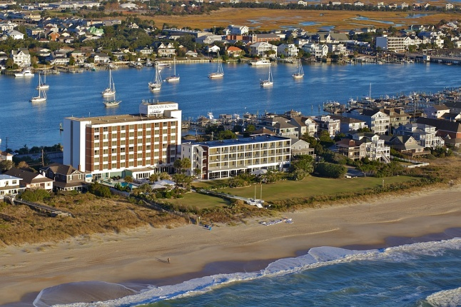 NC Holiday Flotilla Host Hotel, Blockade Runner Beach Resort, Photo courtesy Lemonstripe