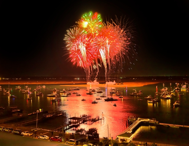 North Carolina Holiday Flotilla, Zambelli Fireworks, Photography by Josh McClure
