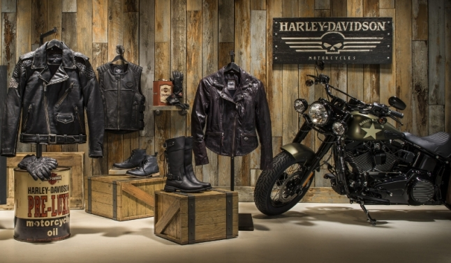 Shop Harley-Davidson's Gift Guide for Hundreds of Unique Items -- From the Ultimate Gift of a Motorcycle and Harley-Davidson Riding Academy to Hoodies, Gear and More (PRNewsFoto/Harley-Davidson Motor Company)